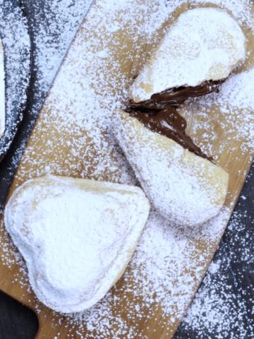 Vanilla hart cookies powdered with powdered sugar