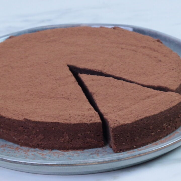 Swedish Sticky Cake (Kladdkaka)