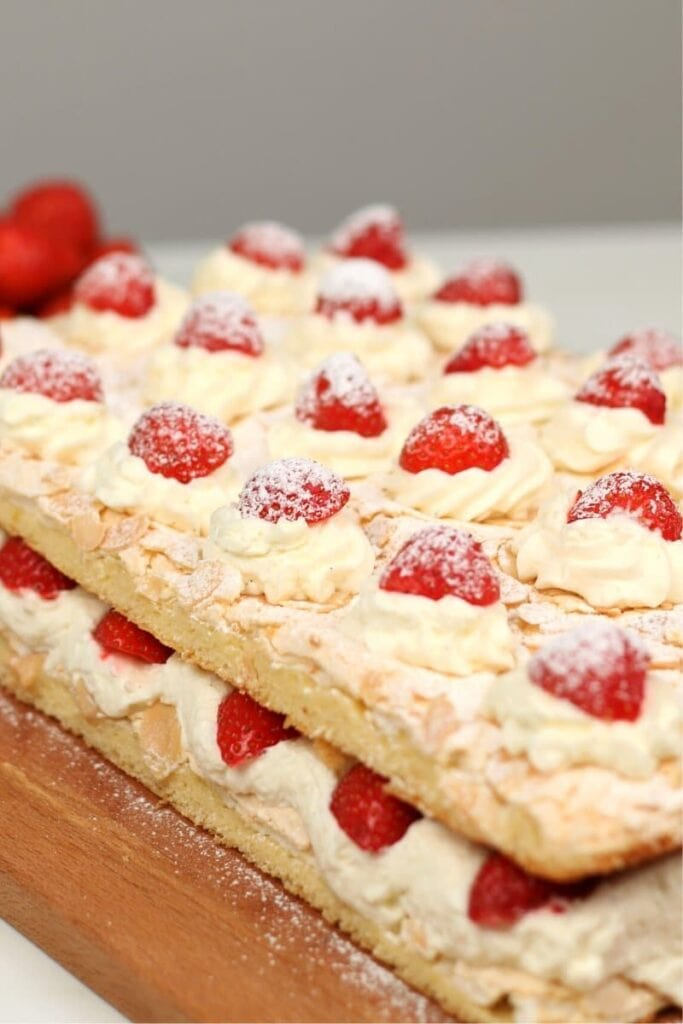 Cake With Fresh Strawberries