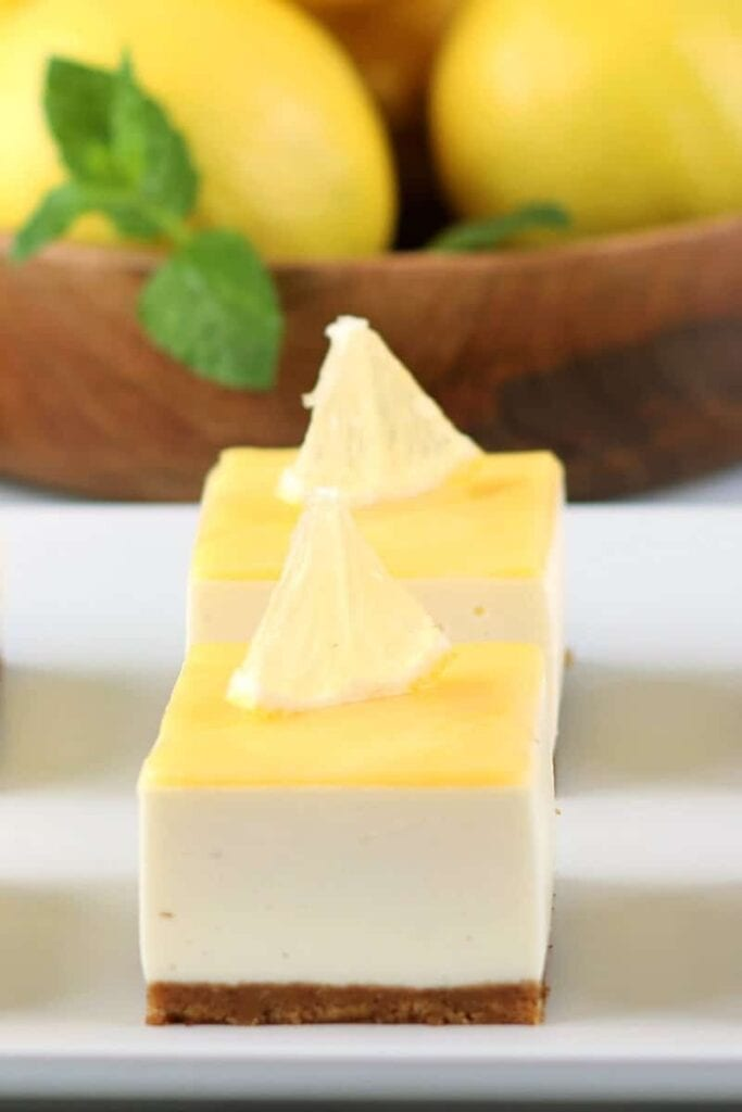No-Bake Lemon Cheesecake Bars