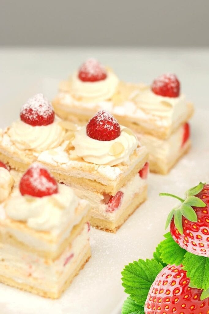 Wonderful Cake With Fresh Strawberries sliced