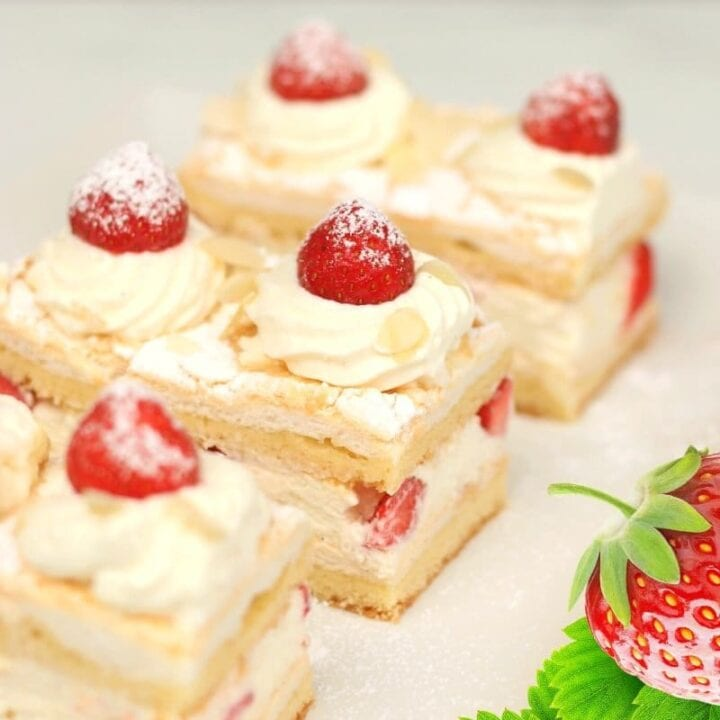 Wonderful Cake With Fresh Strawberries